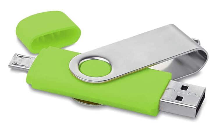 Pennetta personalizzata verde doppio attacco
